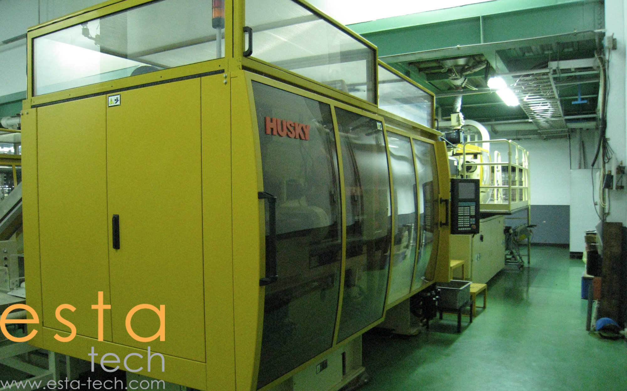 Husky GL300 (2004) PET Preform injection moulding machine